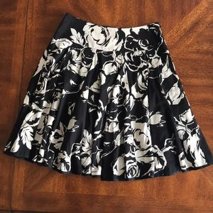 Lauren Ralph Laure floral black white circle skirt